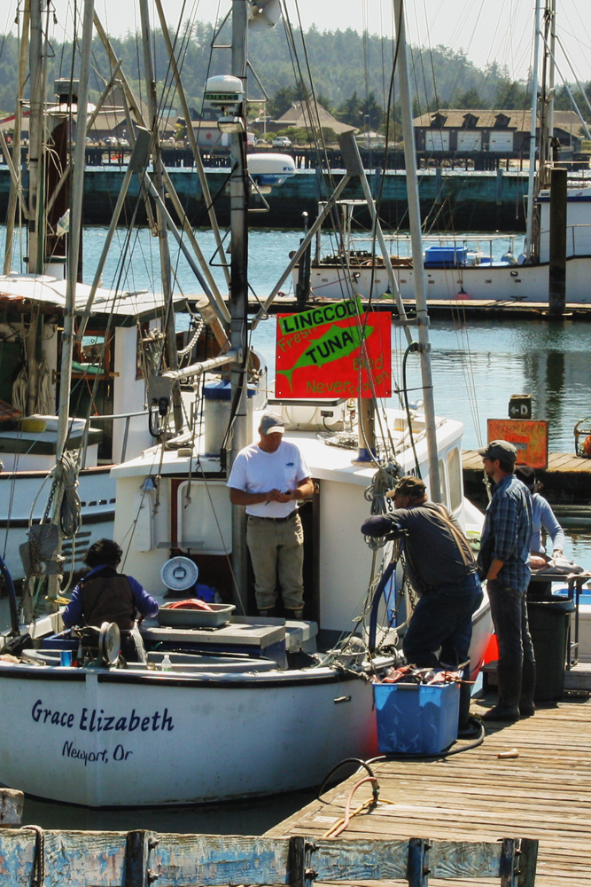 """Planning a visit to the Oregon coast? Tuck our """" What's Fresh and"""
