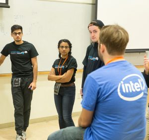 Intel mentor helps a group with their project idea