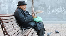 Aging men: More uplifts, fewer hassles until the age of 65-70