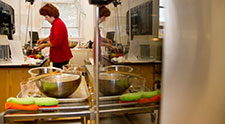 Vegan expert, author teaches students to cook tasty vegan meals