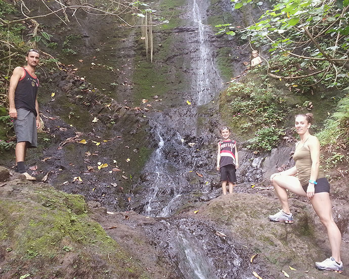 hiking in Hawaii with family