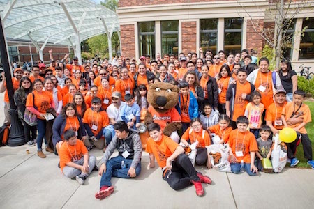 Juntos Family Day inspires high schoolers with science