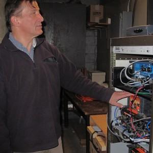 John Nabelek, OSU geophysicist, manages the Corvallis seismic station (Photo: Nick Houtman)