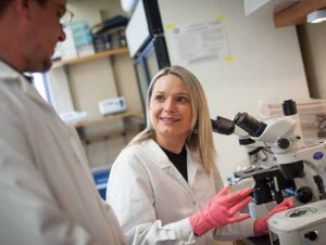 Aleksandra Sikora, along with her husband and research partner Ryszard Zielke, is investigating ways to combat the germs that cause cholera and gonorrhea. (Photo: Jan Sonnenmair)