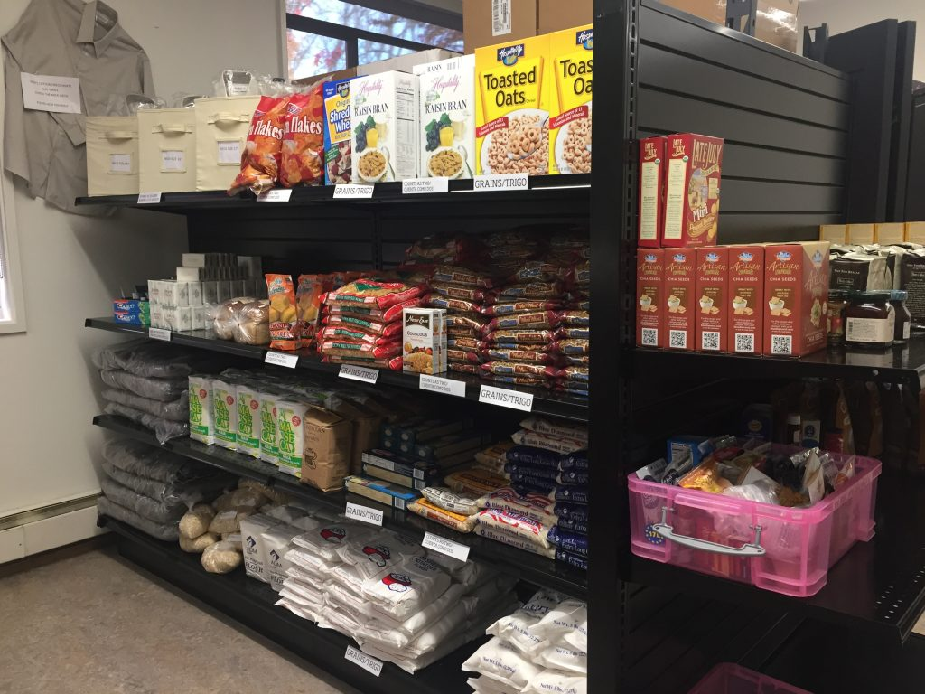 Cereals, grains and pastas on shelves