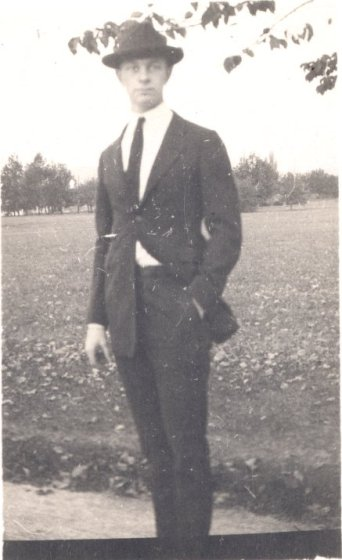 Pauling posing at lower campus, Oregon Agricultural College, ca. 1917.