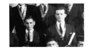 Delta Upsilon Fraternity, 1917. Terrance Gather Sr. and Linus Pauling (right). Oregon State University Memorabilia Collection.