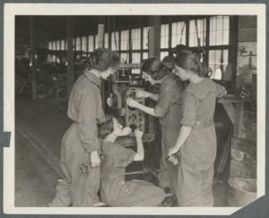 Female students in an auto mechanics class, 1918