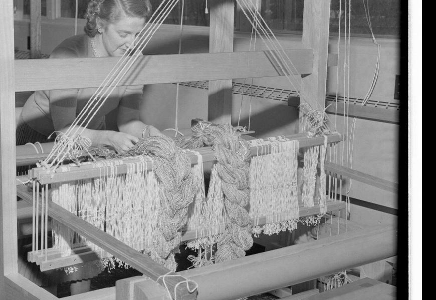 Joan Patterson weaving