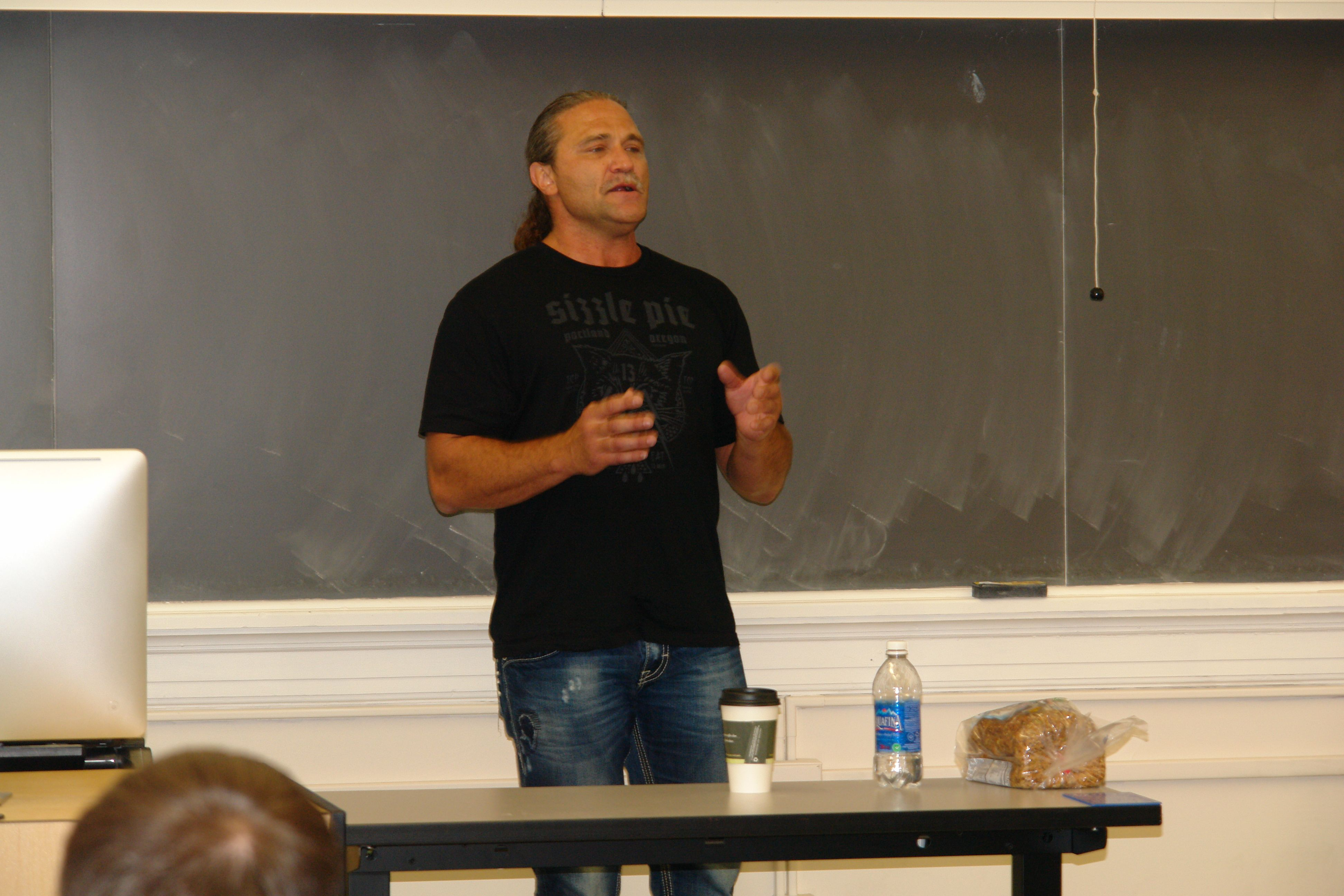 Dave Dahl Speaks At Oregon State Family Business Class