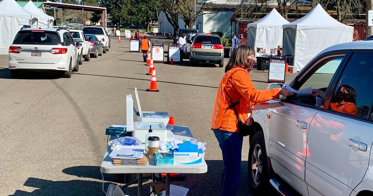 drive-up vaccine site in Oregon