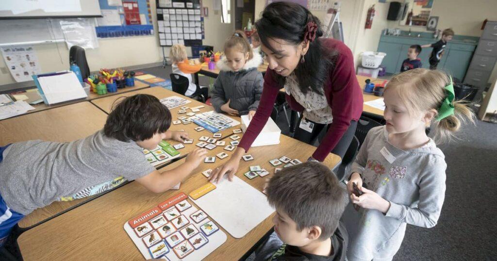 Jennifer Morris teaching in the classroom